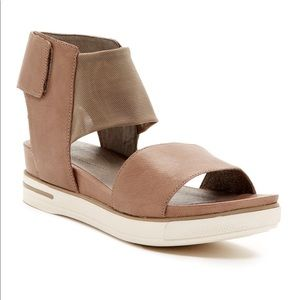 Eileen Fisher Spree Sport brown sandals 7